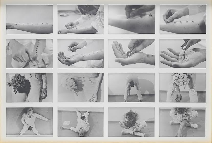 """""""Azione sentimentale"""", 16 foto in bianco e nero, cm. 20 x 29.5 cad., un testo con disegno. Ed. Stadler 80 es.,1973."""